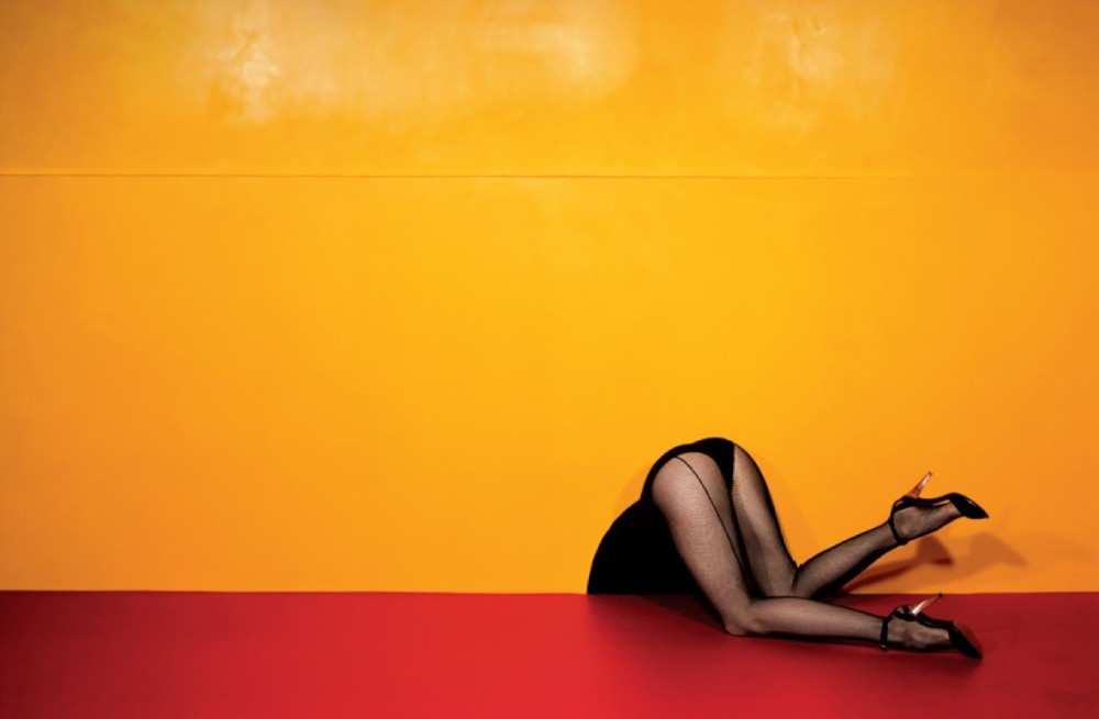 guy-bourdin-charles-jourdan-advertisement-1979-bn-e1360468019788